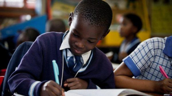 Government advises that schools will not open early